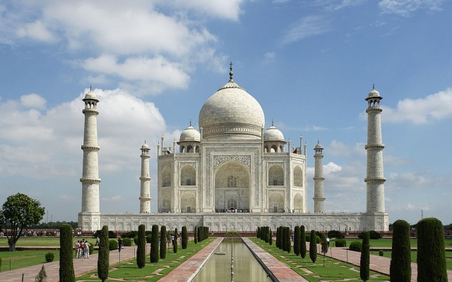 The Taj Mahal - The most beautiful wonder of the world