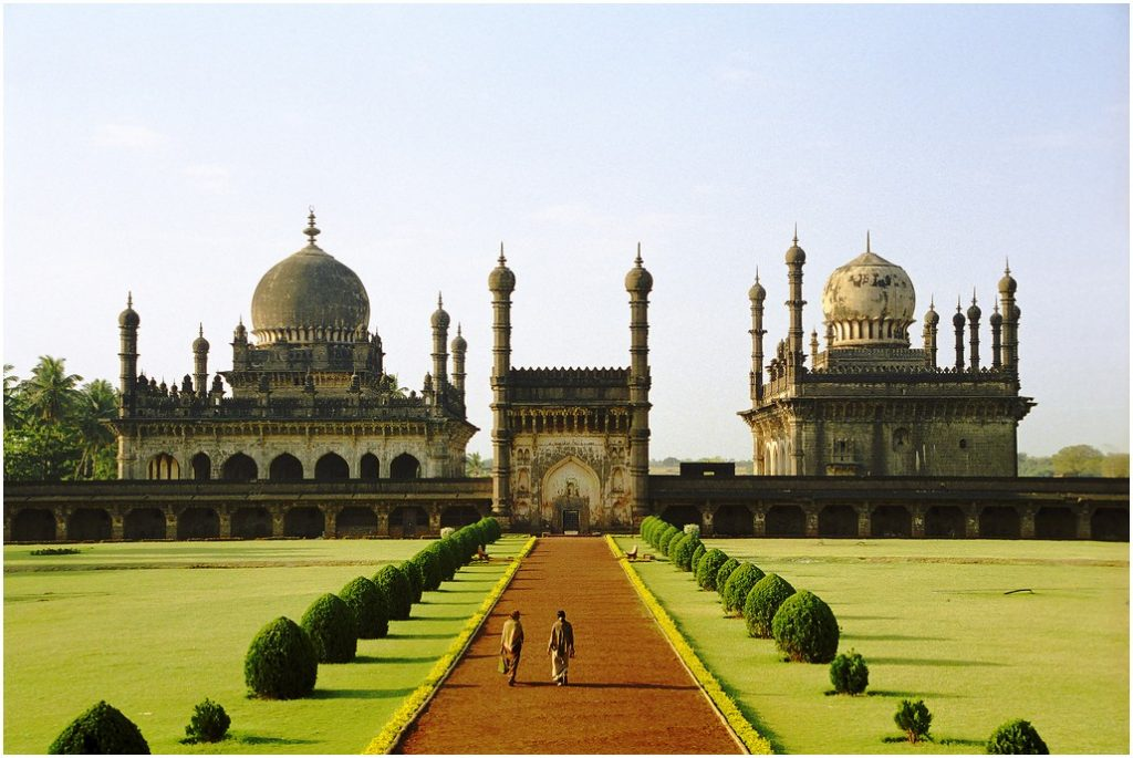 Travel India for cheap