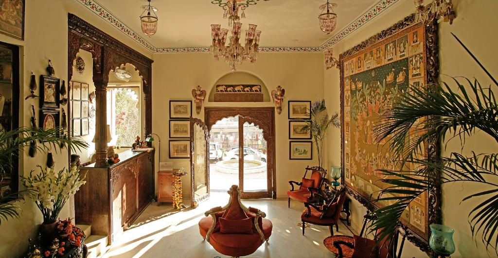 Jagat Niwas palace heritage hotels in udaipur