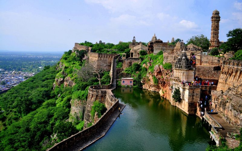 Largest fort in India: Chittorgarh Fort