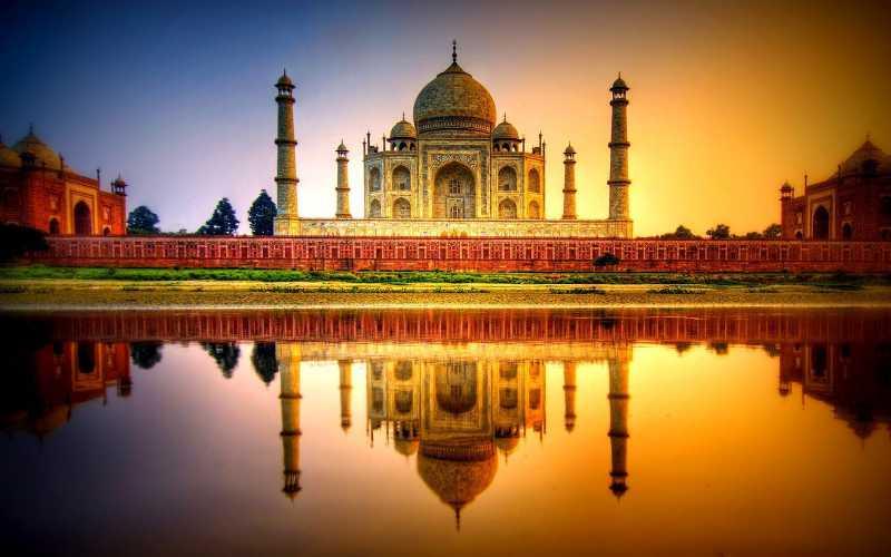 Best Time to Visit Taj Mahal